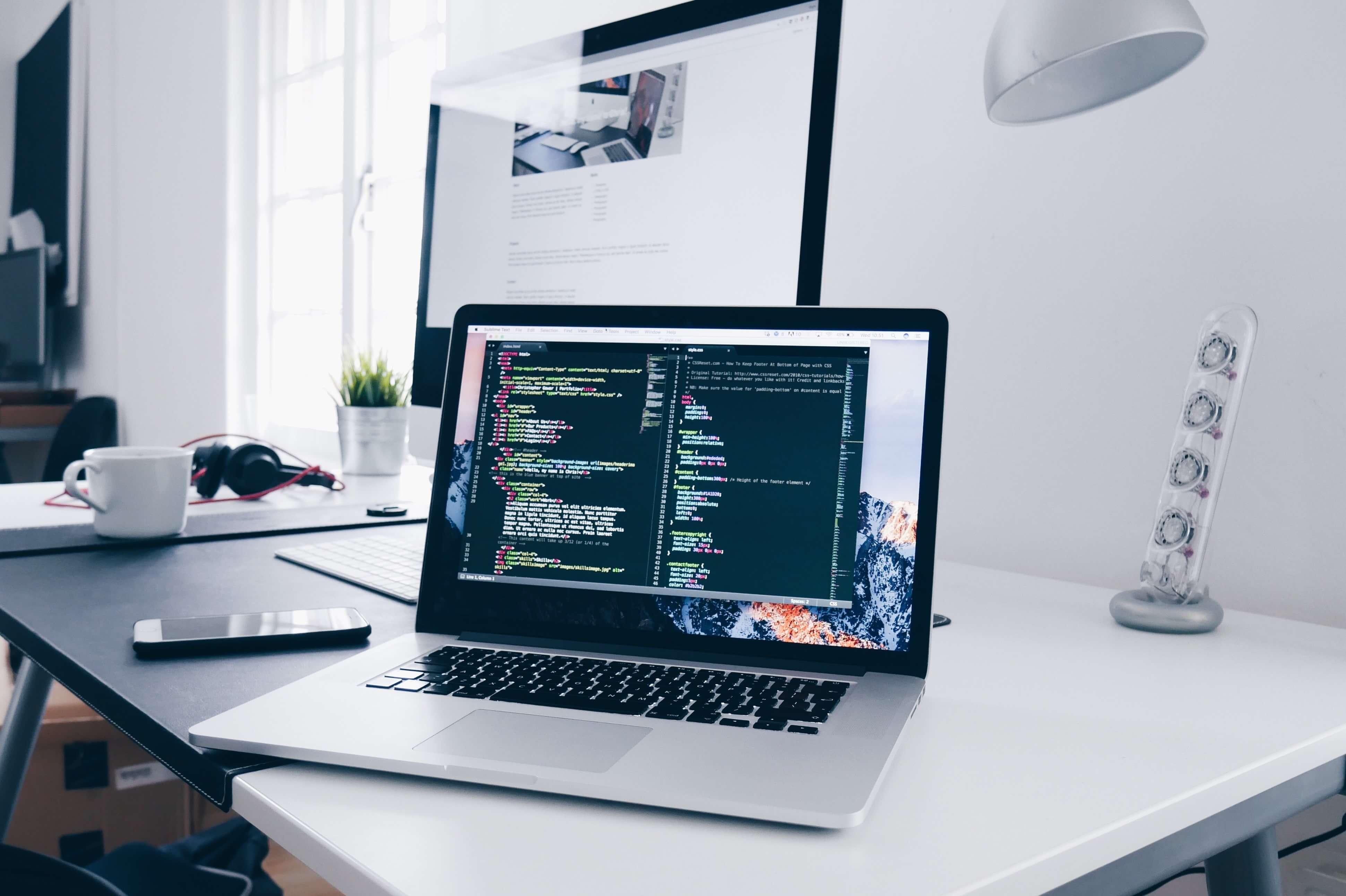 オファシムではホームページの制作から、継続的な運用までをサポートしています。